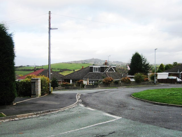 Everest Road, White Hill