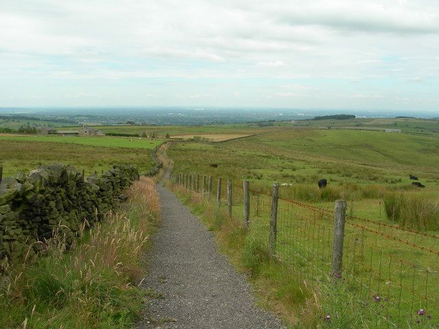 Cown Edge Way/Pennine Bridleway