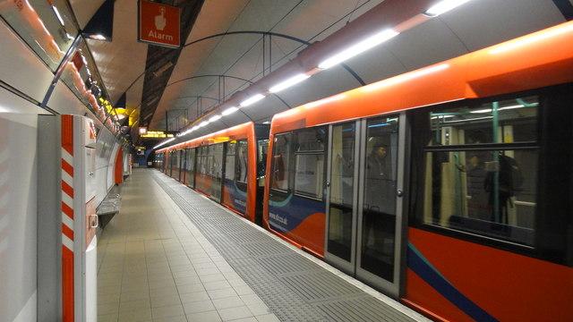 Bank DLR station