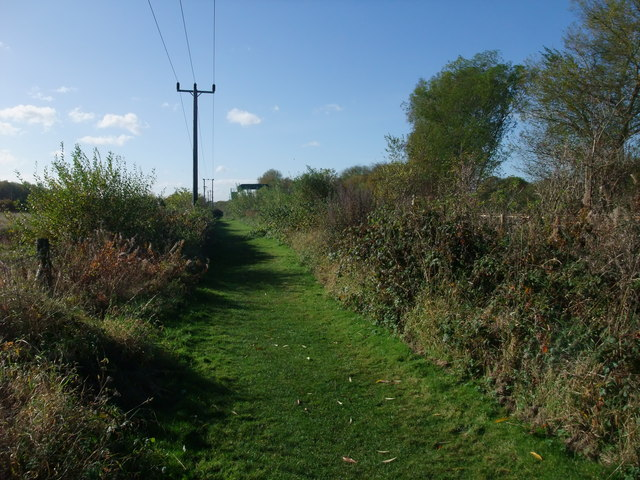Footpath alongside the Burton to Derby railway line