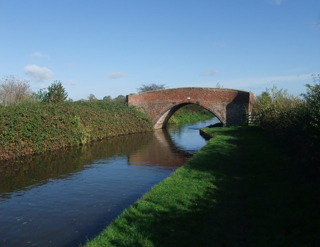 Bridge 25, Trent and Mersey Canal