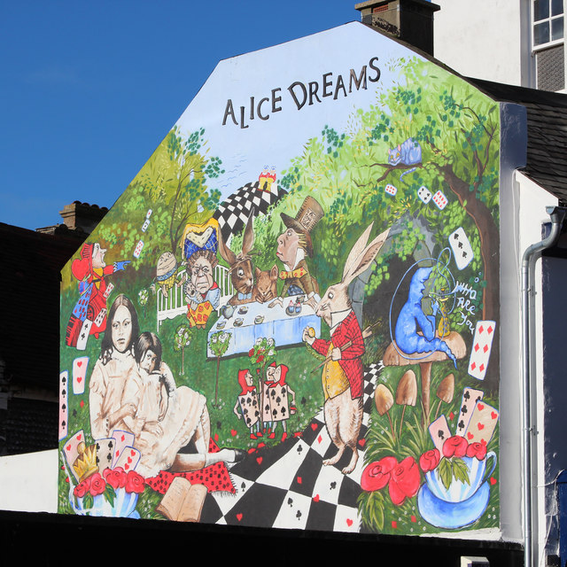 Alice Dreams, Middle Street