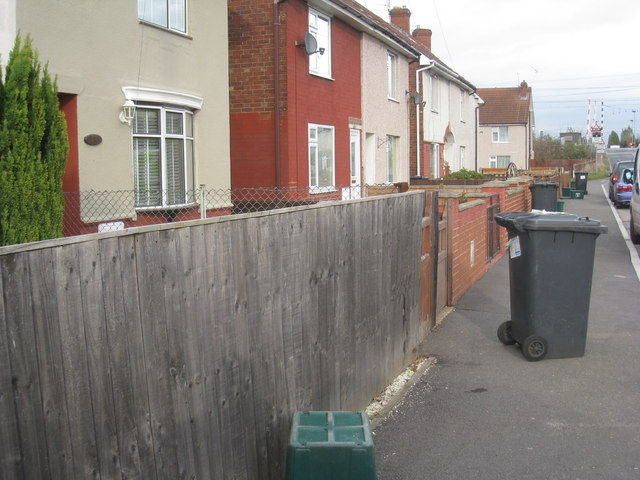 Bin emptying day, Ings Road, Bentley