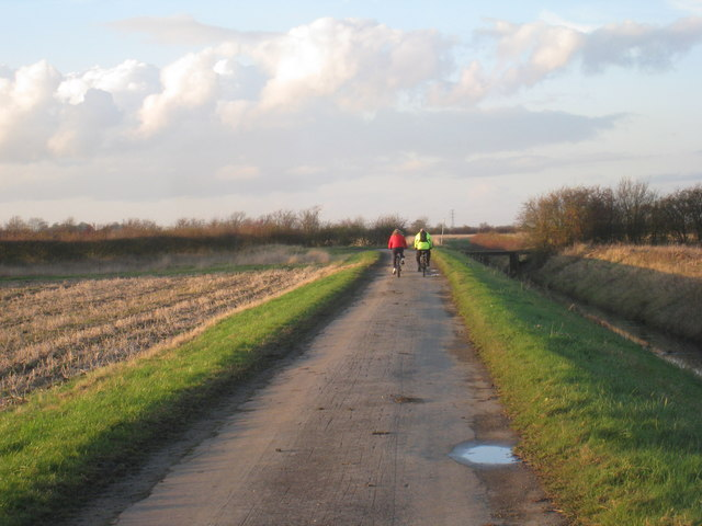 Cyclists by the Main Drain