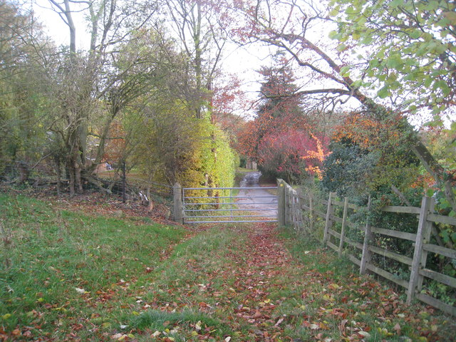 The end of the bridleway from South Carlton
