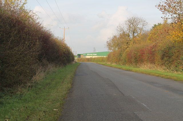 Mere Road looking north towards Branston