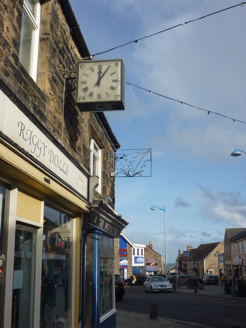 Northumberland Townscape : Silver Jubilee Clock On Main Street, Seahouses