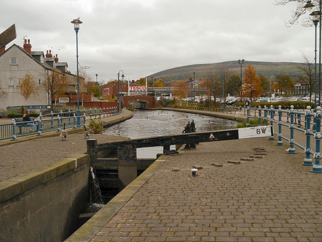 Huddersfield Narrow Canal, Stalybridge