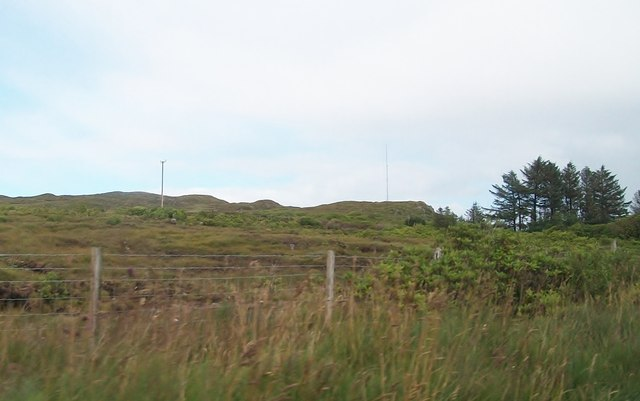 Communications mast on a hill at Rossilly Barr