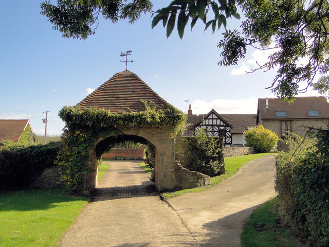Gatehouse, Moor Court Farm