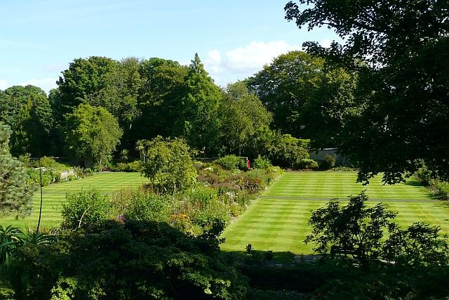 Tartan lawns