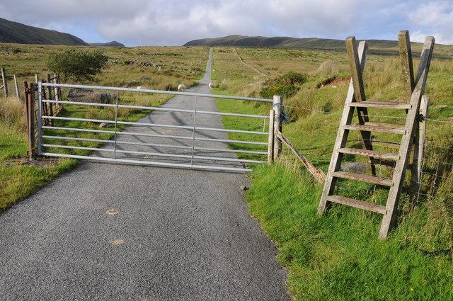 Road to Ffynnon Llugwy Reservoir