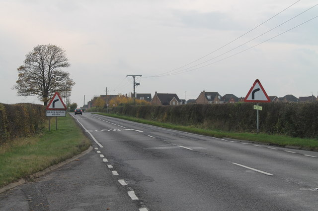 Canwick Avenue entering Bracebridge Heath
