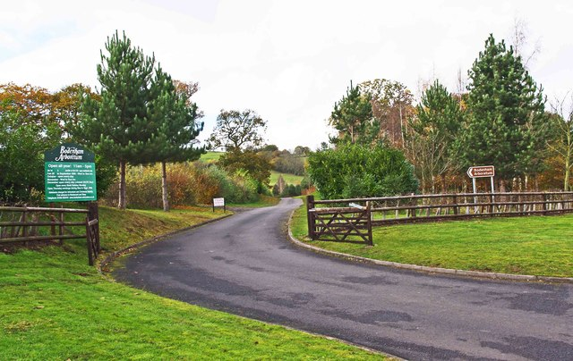 Start of the access road to Bodenham Arboretum, near Drakelow