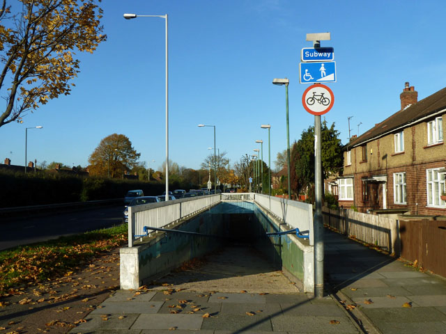 Subway ramp, Great Cambridge Road
