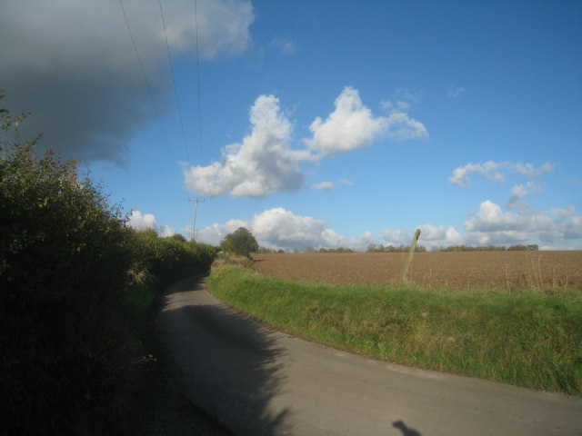 Lane to Upper Wootton or A339
