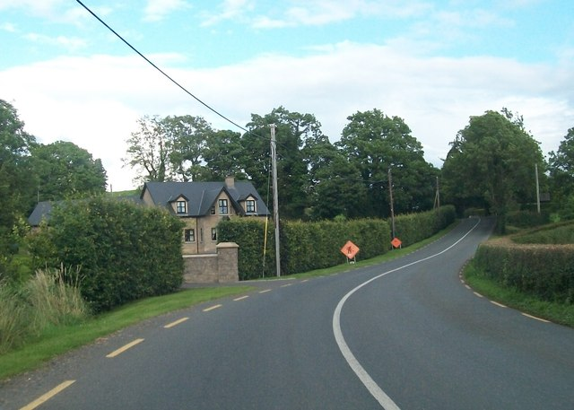 New house alongside the R183 between Mullaghmore West and Cladowen
