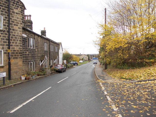 Town Street - viewed from Moorland Avenue