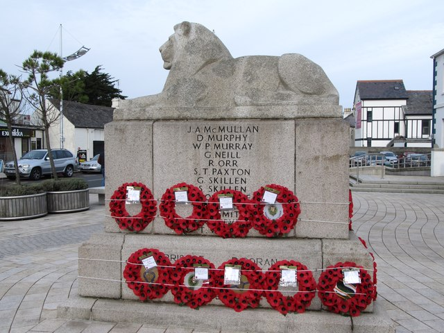 Newcastle's War Memorial on Remembrance Day, 2012