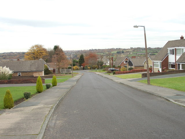 Penn Drive - looking towards Quaker Lane
