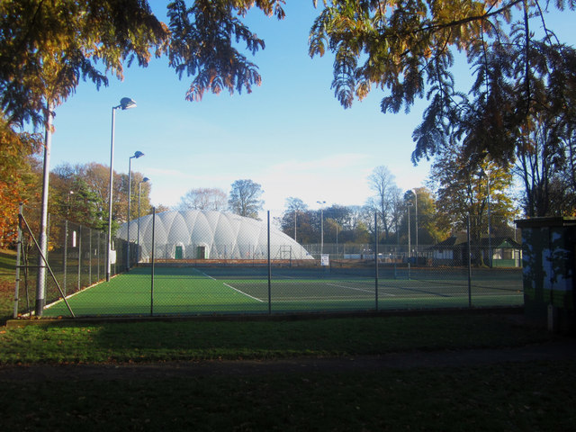 Tennis courts in Bitts Park, Carlisle © Graham Robson cc-by-sa/2.0 :: Geograph Britain and Ireland