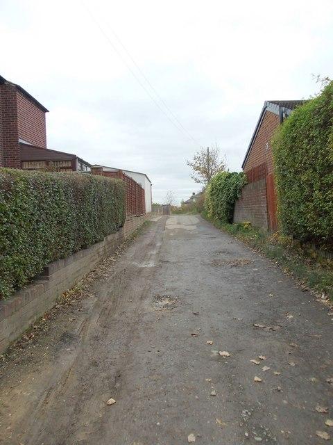 Footpath - Hightown Road