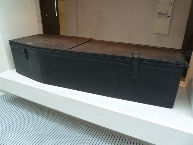 National Museum of Scotland - the mortsafe