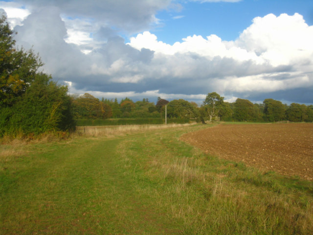 Popular path to Oakley Park