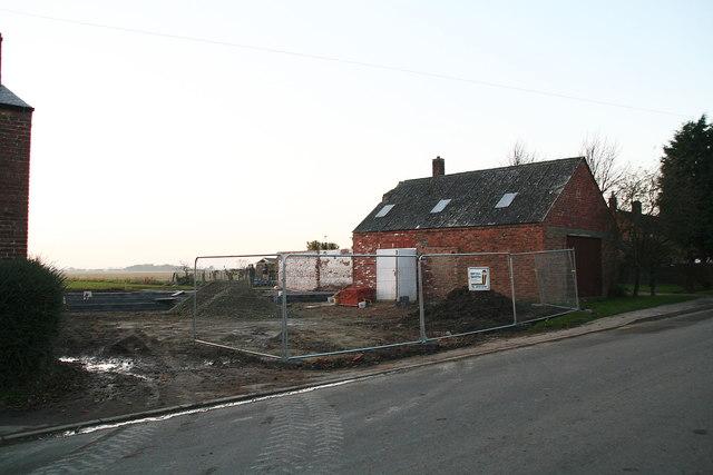 Main road through Covenham St.Bartholomew (1)