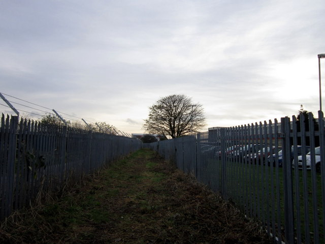 A path leading to Poorhouse Lane, Hull