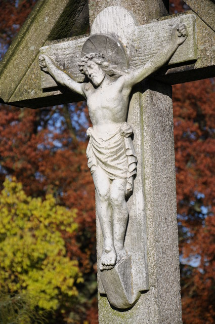 Memorial crucifix at Tewkesbury Abbey