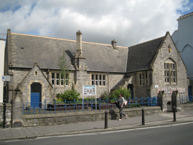 Bearnes Voluntary Primary School, Queen Street