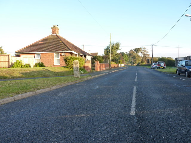 B1122 heading north out of Aldeburgh