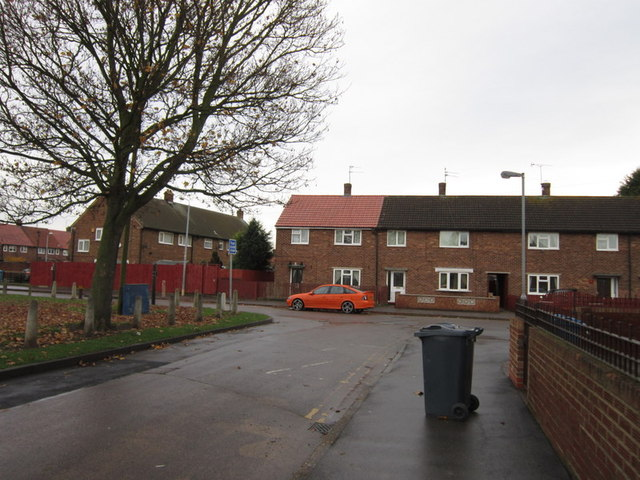 Stansfield Close towards Stonebridge Avenue