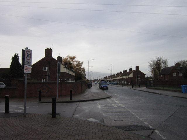Wingfield Road at Kyffin Avenue, Sutton Trust Estate
