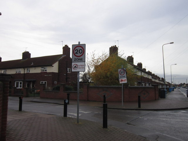 Wingfield Road at Shelley Avenue, Sutton Trust Estate