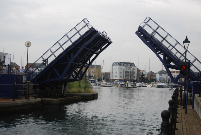 Lifting bridge, Sovereign Harbour