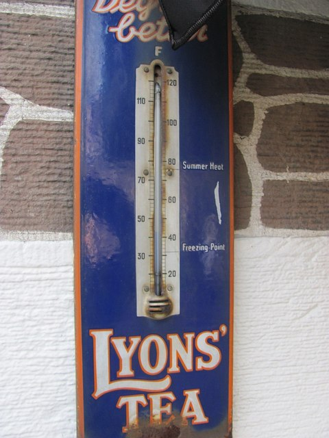 Lyons Tea advert, Broughton