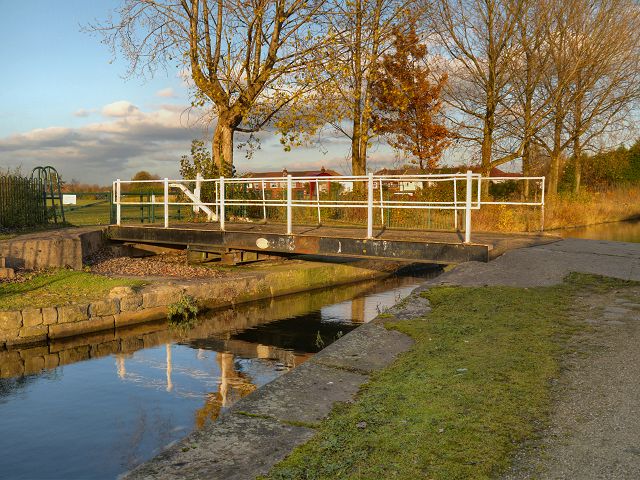 Clockhouse Swing Bridge, Fairfield