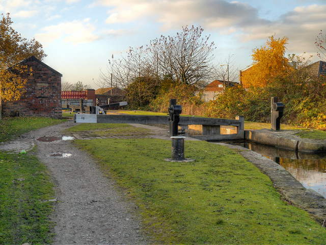 Ashton Canal, Lock 16 (Edge Lane)