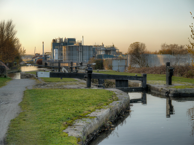 Ashton Canal, Lock 11 at Clayton Junction