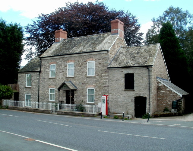 New House, Talgarth