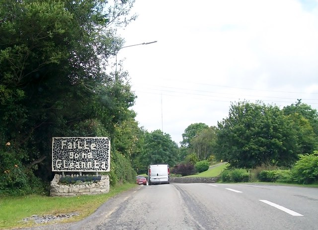 Failte go na Gleannta - Welcome to the Glenties sign on the N56