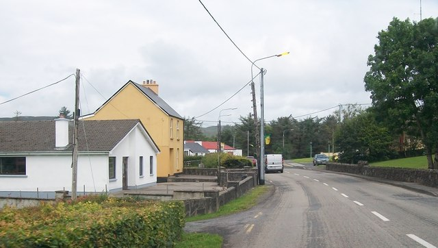 Houses on the southern outskirts of Glenties