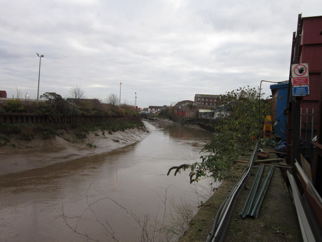 The River Hull from Wincolmlee