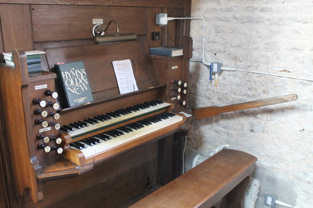 Organ Console, St Peter's church, North Rauceby