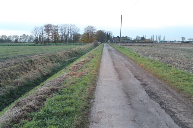 Bye Road towards Redroof Farm