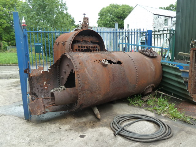 Robey Trust, Tavistock - remains of semi-portable engine