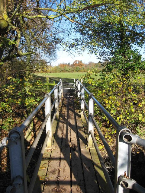 Footbridge over a brook, near Northwick, Worcester