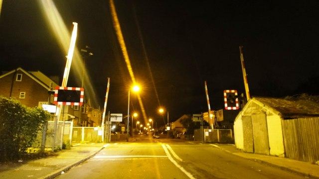 Wood Lane LC, Isleworth